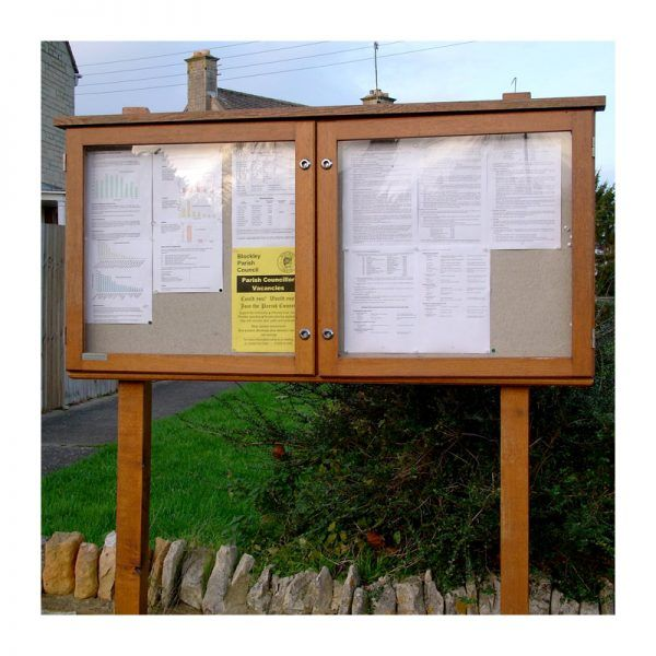 2-bay, 6 x A4 oak noticeboard, no header, Blockley Parish Council