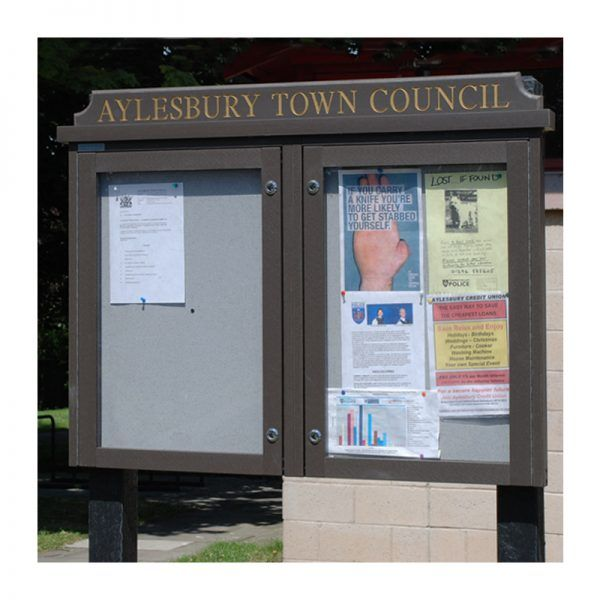 2-bay, 4 x A4 Man-made Timber noticeboard, post-mounted, Aylesbury Town Council