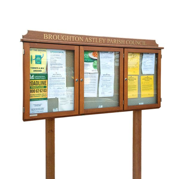 3-bay, 4 x A4 oak noticeboard